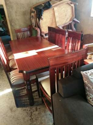 8-seater dining table set image 3