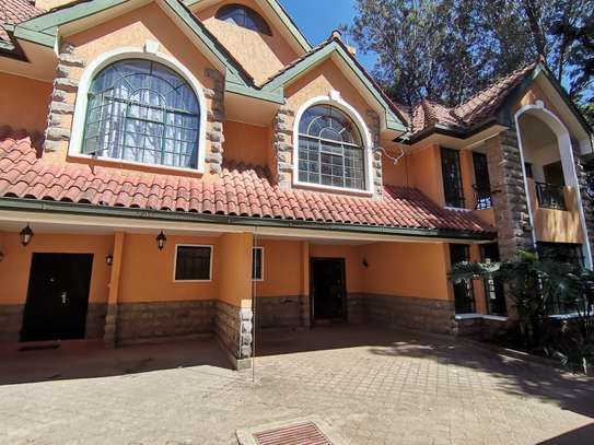Contemporary 5bedroom townhouse with dsq image 4