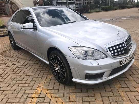Mercedes S-class image 3