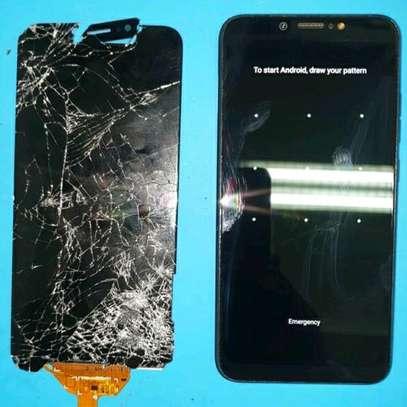 Phone Screen Replacement - Cracked Phone screen Repair image 3