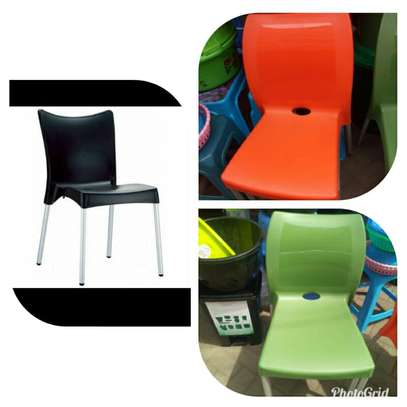 Stackable Plastic Chairs image 3
