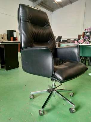 Office Executive Chairs image 2