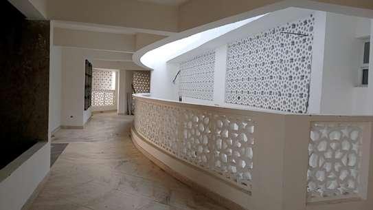 Luxurious sea view apartments to rent at nyali Mombasa Kenya image 11