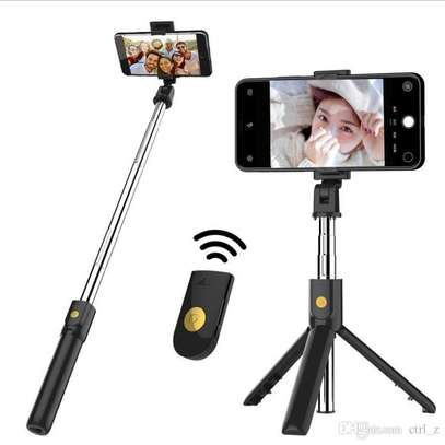 K05 Selfie Stick Tripod Stand 4 in 1 Extendable Monopod Bluetooth Remote Phone Mount for iPhone X 8 Android Gopro image 6