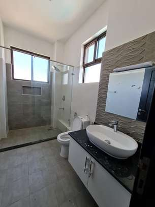 3 bedroom apartment for rent in Nyali Area image 8