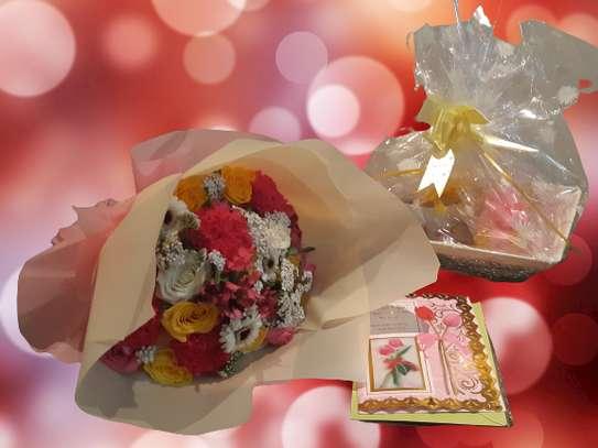 Customised Personalised Gift Hampers image 3