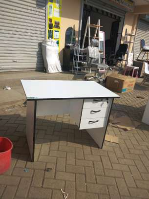 New white study table image 1