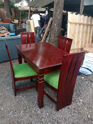 4 seaters dining set image 1