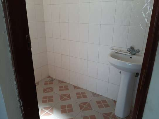 4 bedroom townhouse for rent in Nyali Area image 17