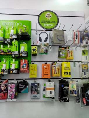 Fremis mobiles, electronics and accessories stores image 2