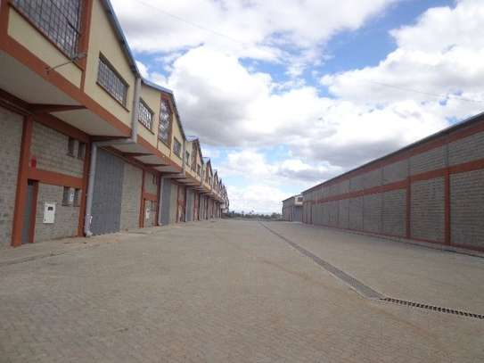 8200 ft² warehouse for rent in Juja image 4