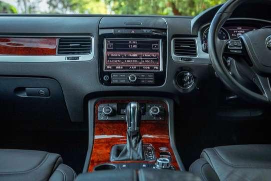 Volkswagen Touareg image 9