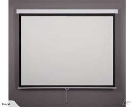 Manual Wall mount 96' x 96' Projection screen image 2