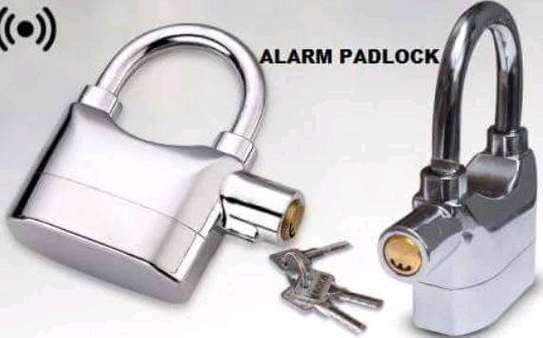 Alarm padlock image 1