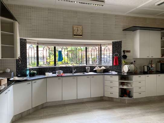 5 bedroom house for rent in Gigiri image 15