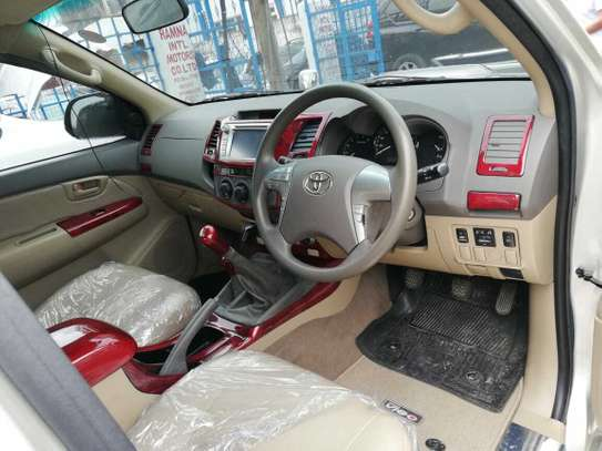 Toyota Hilux image 12