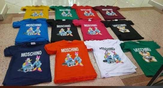 ladie moschino tshirts image 1