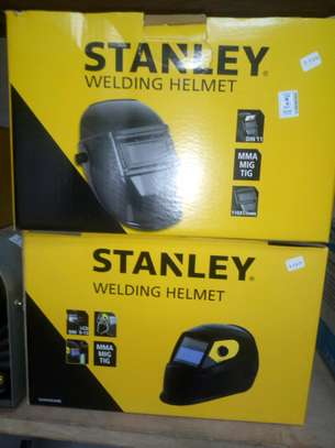Stanley Welding Helmet 2000 – Protective Solar Head & Face Mask with Automatic LCD, Adjustable DIN 9-13 Filter, Adjustable Sizing & Padded Strap – For Indoor & Outdoor Stanley Welding Helmet 2000 – Protective Solar Head & Face Mask with Automatic LCD, Adjustable DIN 9-13 Filter, Adjustable Sizing & Padded Strap – For Indoor & Outdoor use