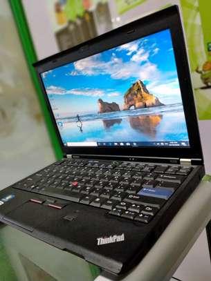 Lenovo Thinkpad X220 image 2