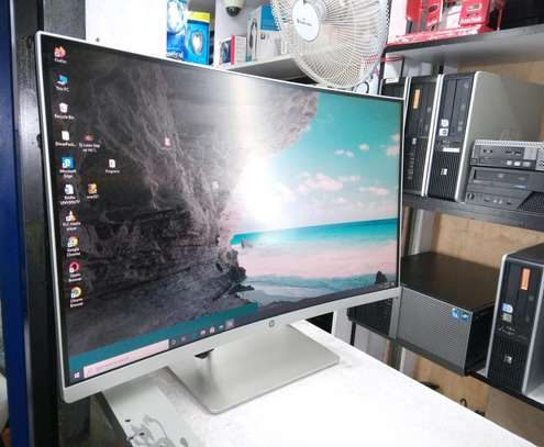 Hp 27 inch curved edge-to-edge monitor image 2
