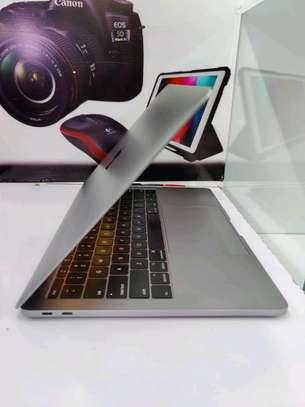 MacBook Pro 2019 256gb ssd