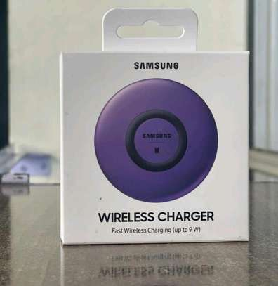 Samsung Wireless Charger image 1
