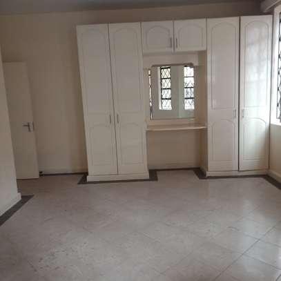 one bedroom to let in Kileleshwa image 3