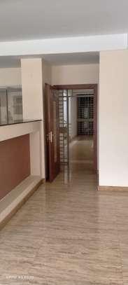 3 bedroom apartment for rent in Kileleshwa image 12