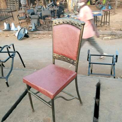 Club seats/Lounge seats image 2