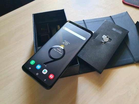 Samsung Galaxy S9 Plus 256 Gigabytes image 3