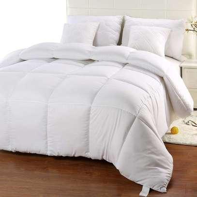 white duvets 4*6 @3000 image 2