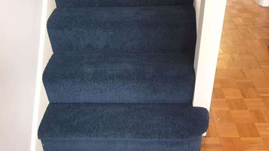 BLUE Wall to wall carpets image 10