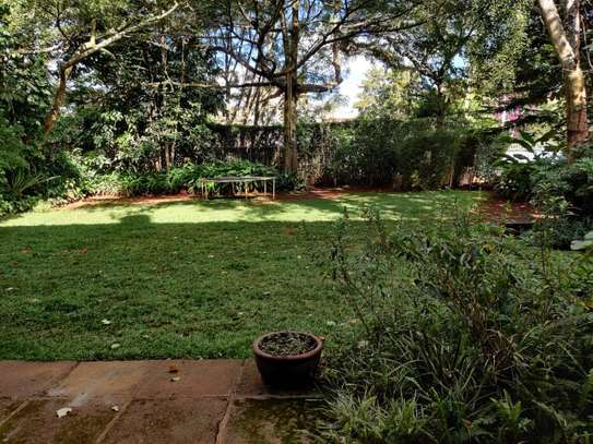 5 bedroom house for rent in Gigiri image 10