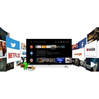 Skyworth UB7500 55'' 4K UHD Infinity Screen Android TV - Black