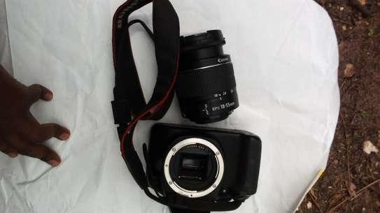 1300d DSLR camera with kit lens image 1