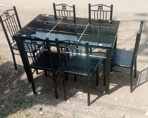 Six seater dining table comes with dining chair image 1