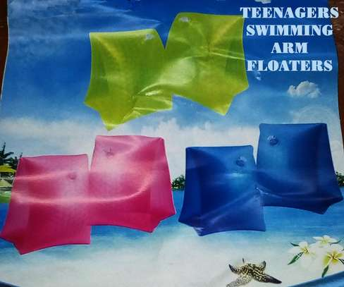Adults arm floaters image 1