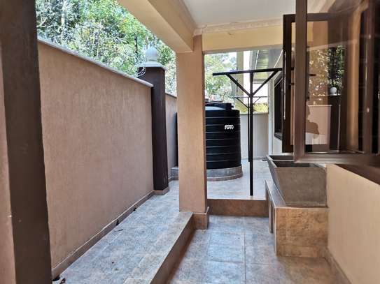 NEWLY BUILT CONTEMPORARY 4 BEDROOM TOWNHOUSE WITH DSQ image 3