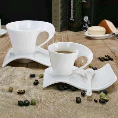 Swag cup+saucer image 1