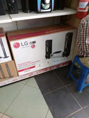 LG home theater system 1000w +BT image 1