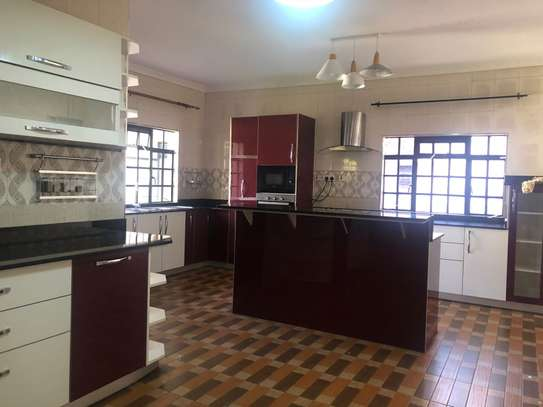 Furnished 6 bedroom house for rent in Runda image 5