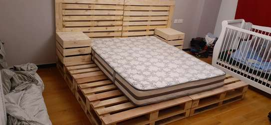 Elegant pallet bed/pallet bed/king size bed/pallet furniture image 1