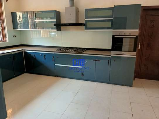 5 bedroom house for rent in Kyuna image 20