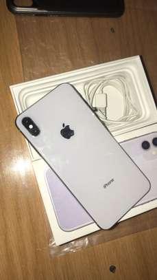 IPhone XSMAX 64GB WHITE image 1