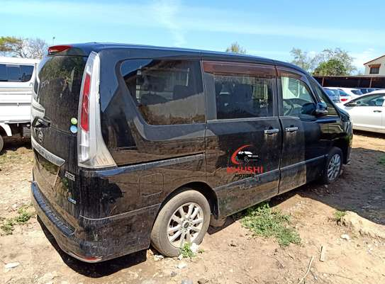 Nissan Serena 2.0 Excursion image 3