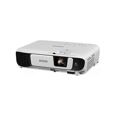 EPSON PROJECTOR S05 image 1