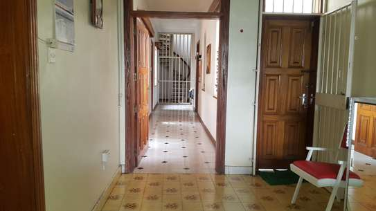 commercial property for rent in Rhapta Road image 6