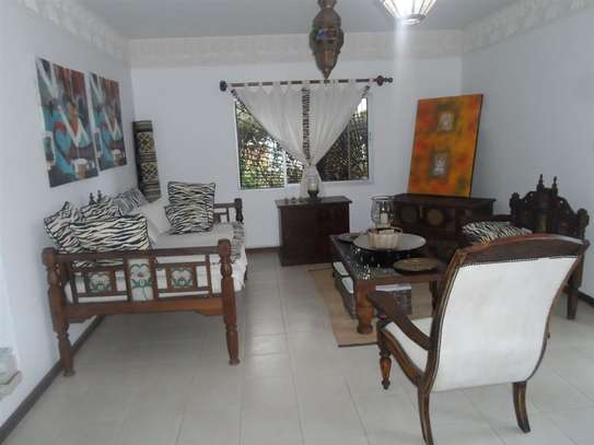 4 bedroom house for sale in Mkomani image 3
