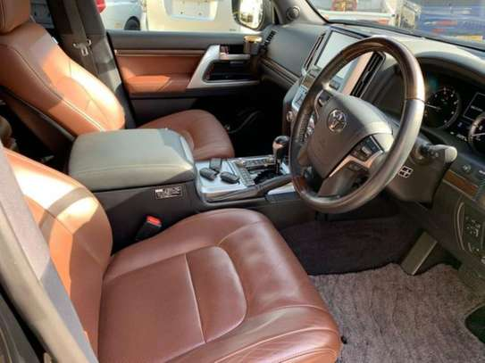 Land Cruiser ZX V8 Black 2016 image 5