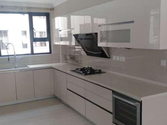 Riverside - Flat & Apartment image 12